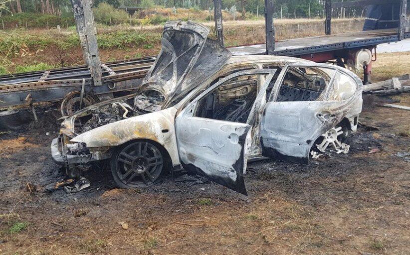 Carro roubado aparece horas depois carbonizado em Braga