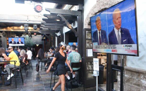 """Trump e Biden esqueceram argumentos e esgrimiram insultos no 1.º debate: """"Palhaço"""", """"fantoche"""", """"cale a boca, homem""""…"""