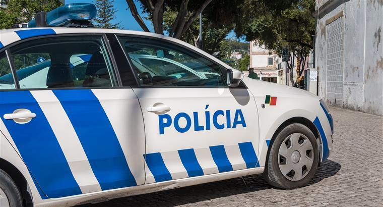 Homem detido por agressão a agentes da PSP depois de perseguição por ruas de Guimarães