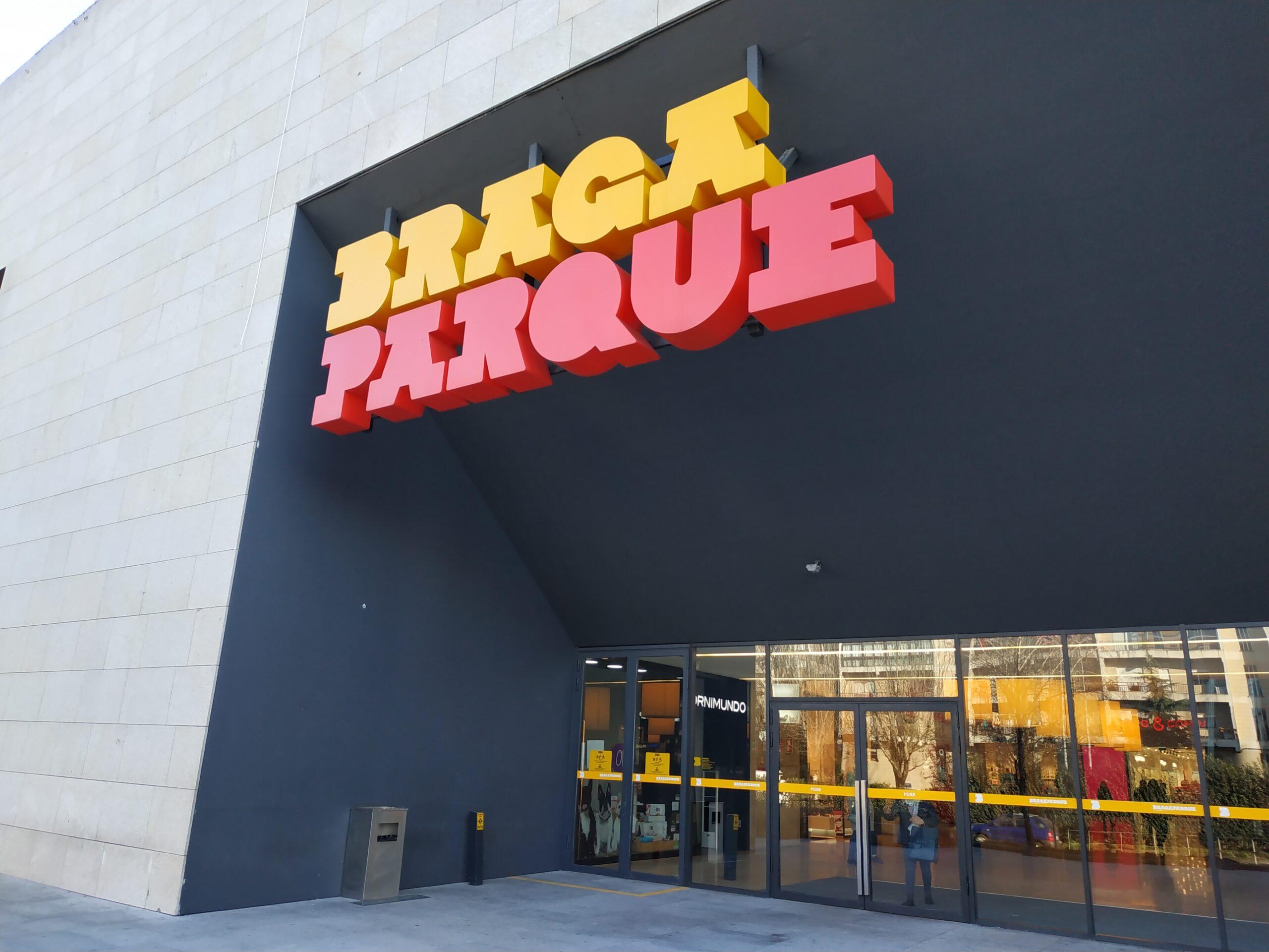 Detidas por furto no Centro Comercial Braga Parque