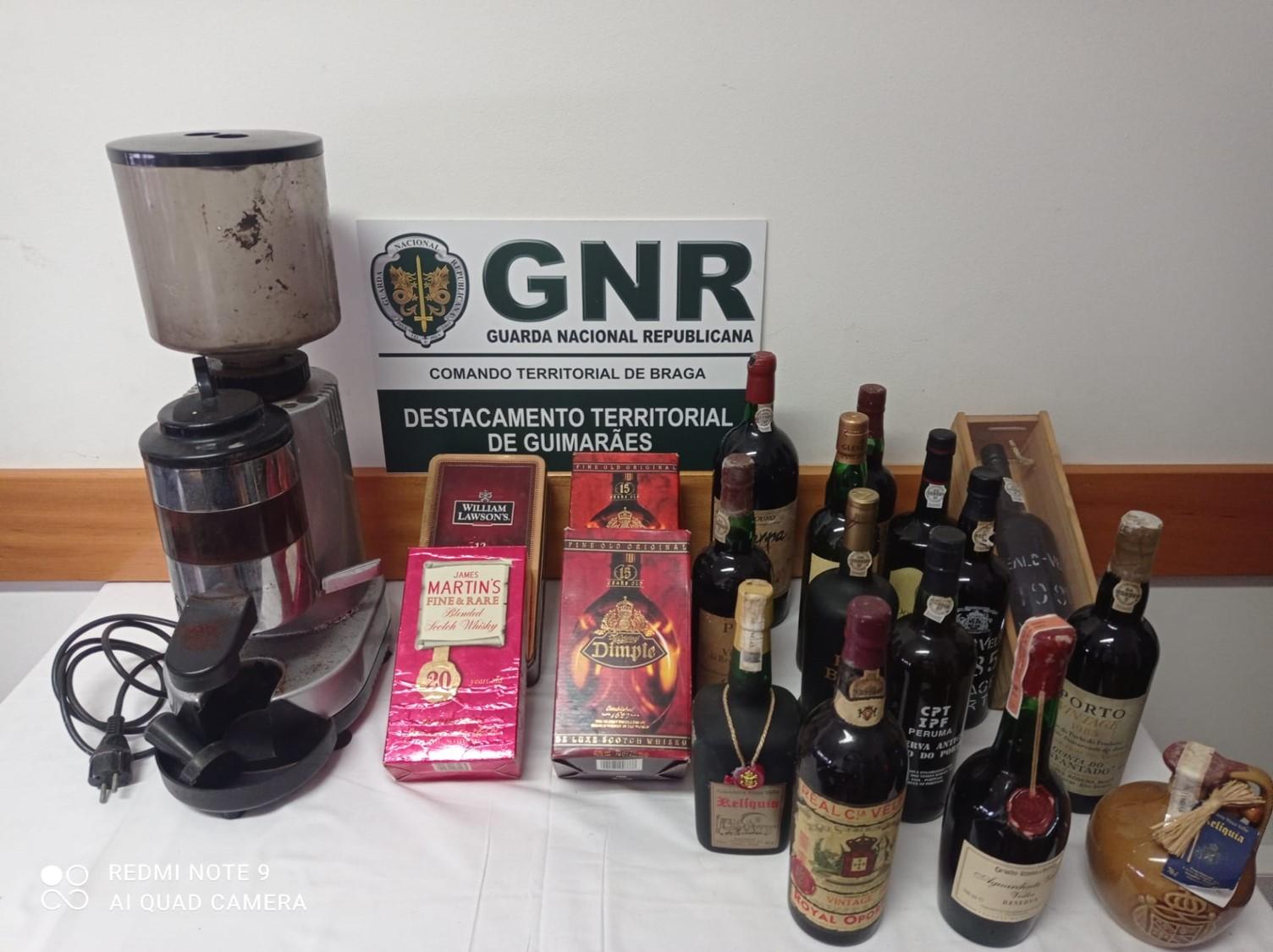 GNR recupera de colecção no valor de 3 mil euros em Guimarães