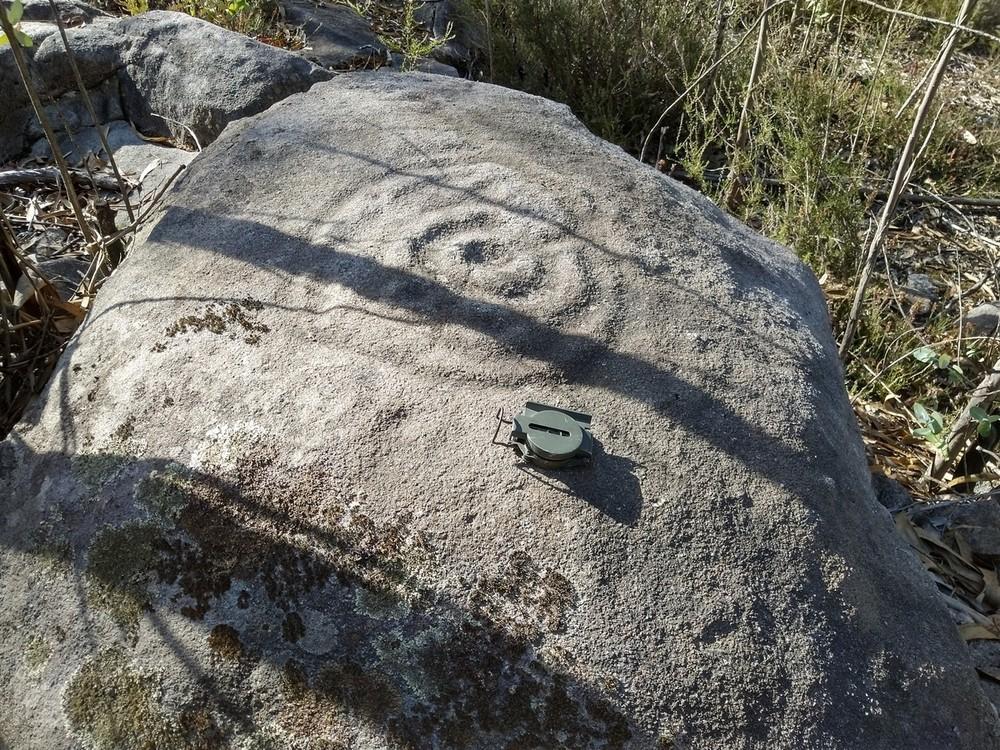 Escavações arqueológicas põem a descoberto gravuras rupestres na Citânia de Briteiros e Castro de Sabroso