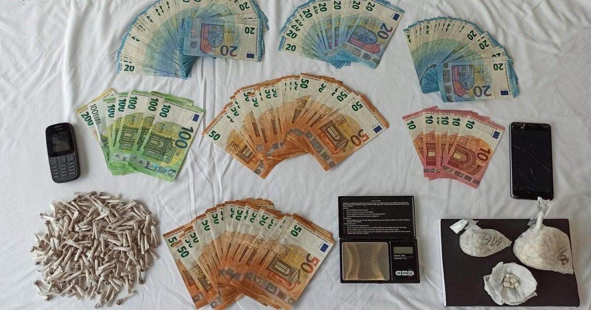 Detida mulher com mais de 800 doses de droga e 9.600 euros em dinheiro em Fafe