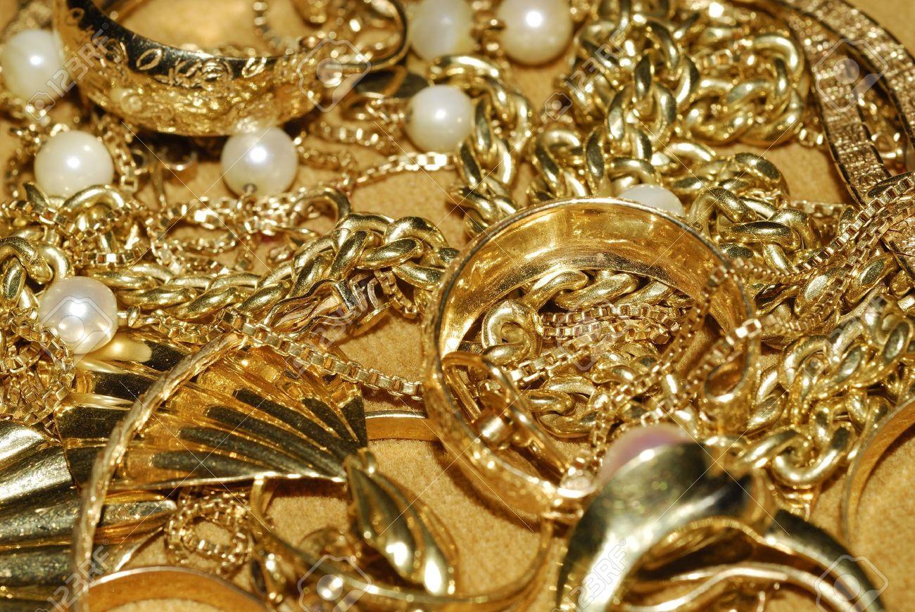 Mulher detida por burla de 21 mil euros em ouro em Braga