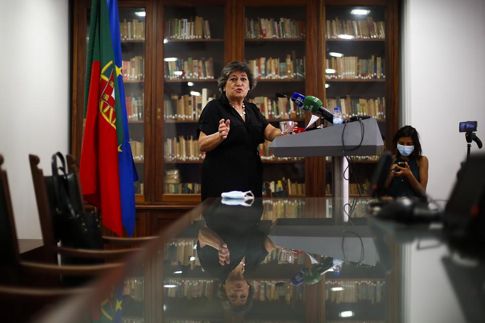 """Presidenciais. """"Como pode o socialismo democrático não participar nesta eleição?"""", questiona Ana Gomes"""