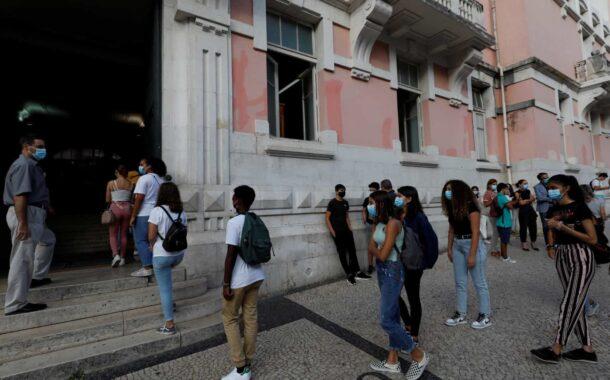 Mais quatro mortes e 613 infectados por covid-19 em Portugal