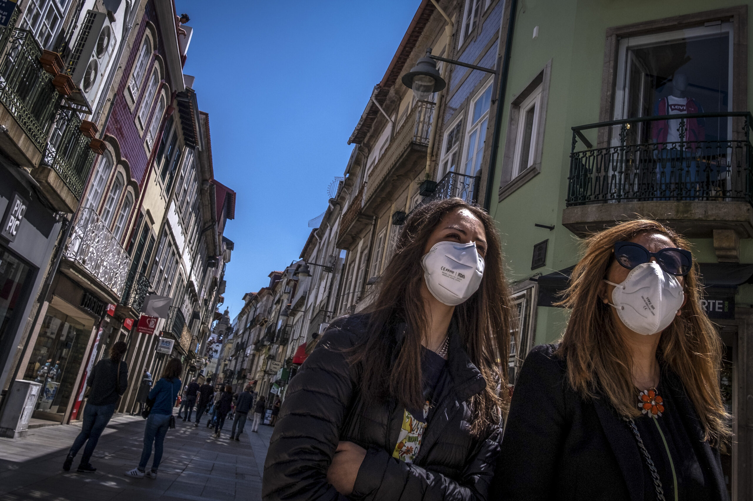 Minho ultrapassa 5.000 mil casos de covid-19. Guimarães soma mais 142 novas infecções