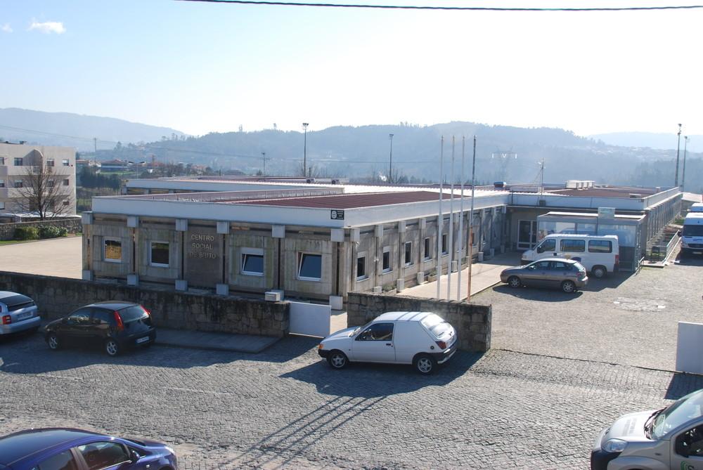 Três utentes e uma funcionária de lar de Guimarães testaram positivo ao covid-19