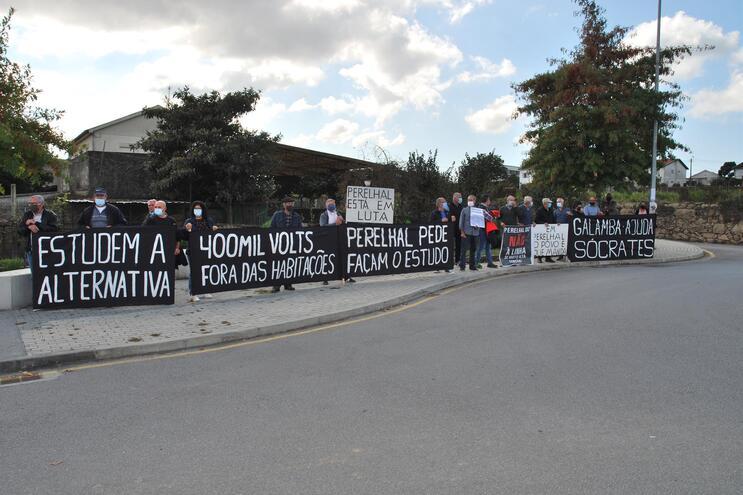 Perelhal, em Barcelos, aproveitou visita de António Costa ao IPCA protestar contra linha de muito alta