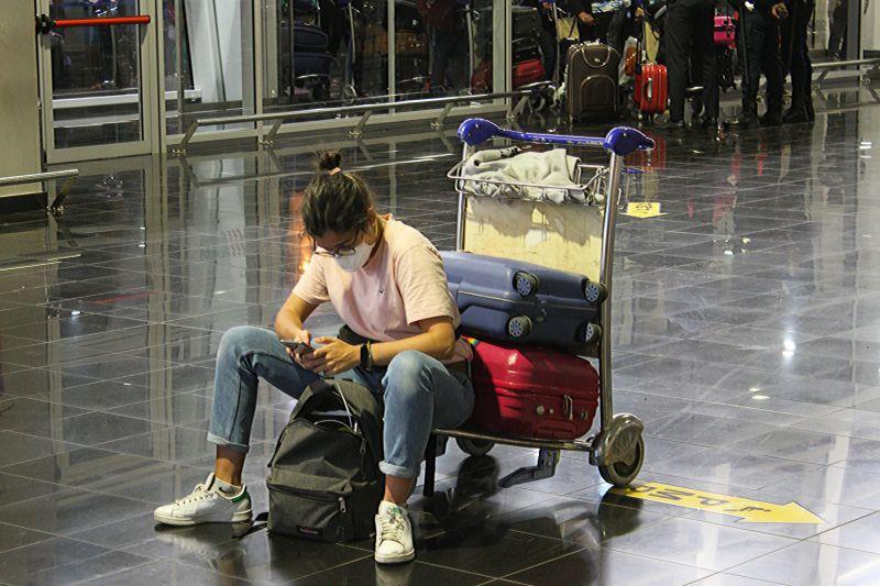 Cidadãos que viajem por razões familiares isentos de quarentena na UE