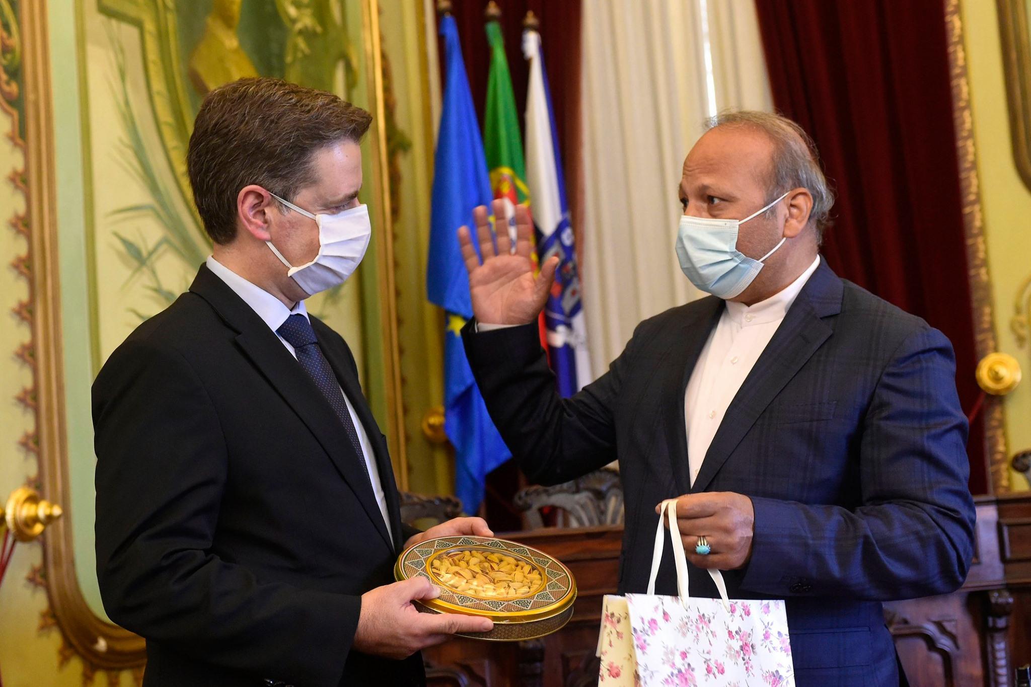 Trump proíbe Irão de comprar medicamentos a Portugal, afirma em Braga embaixador iraniano