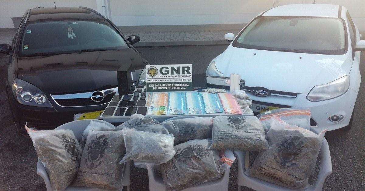Dois cabecilhas de rede de tráfico de Barcelos libertados pelo Tribunal de Viana do Castelo (actualização)