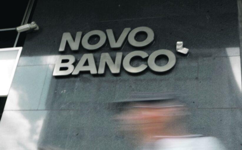 Entre voltas e reviravoltas, Parlamento aprova fim da transferência para o Novo Banco