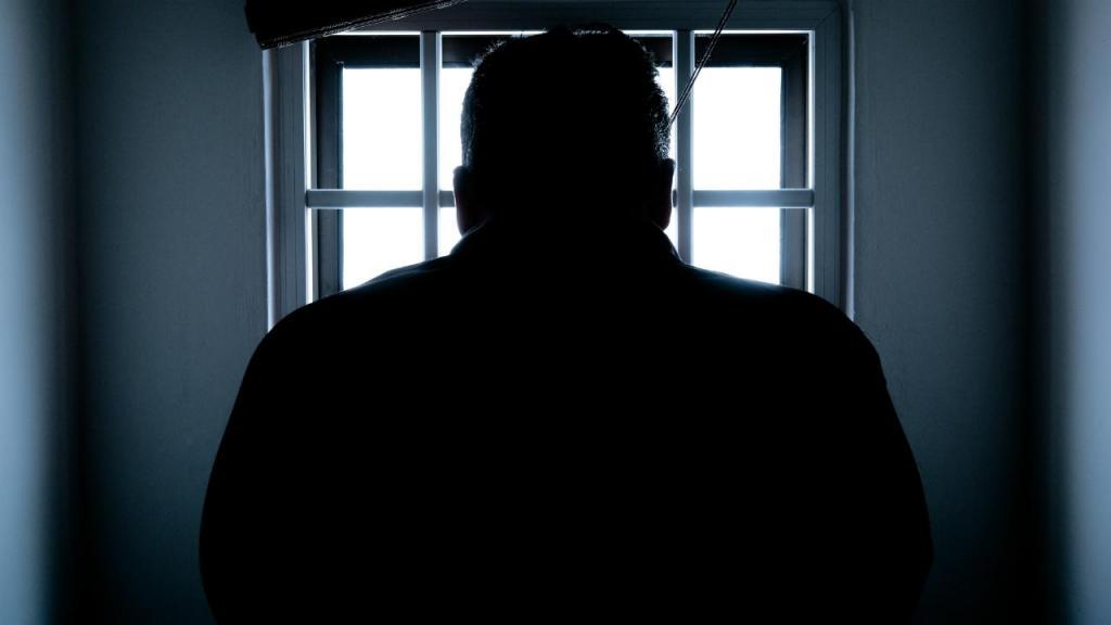 Soldador acusado de 452 crimes de abuso sexual e violação das filhas em Famalicão