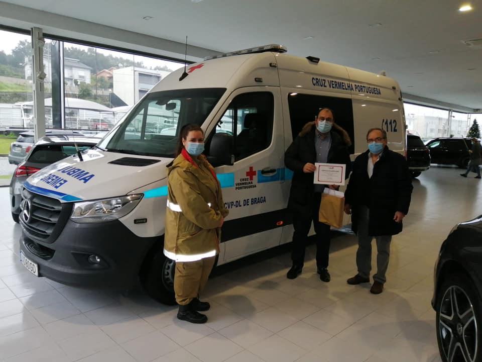 Cruz Vermelha de Braga compra ambulância e monta posto de testes covid-19 no Sameiro