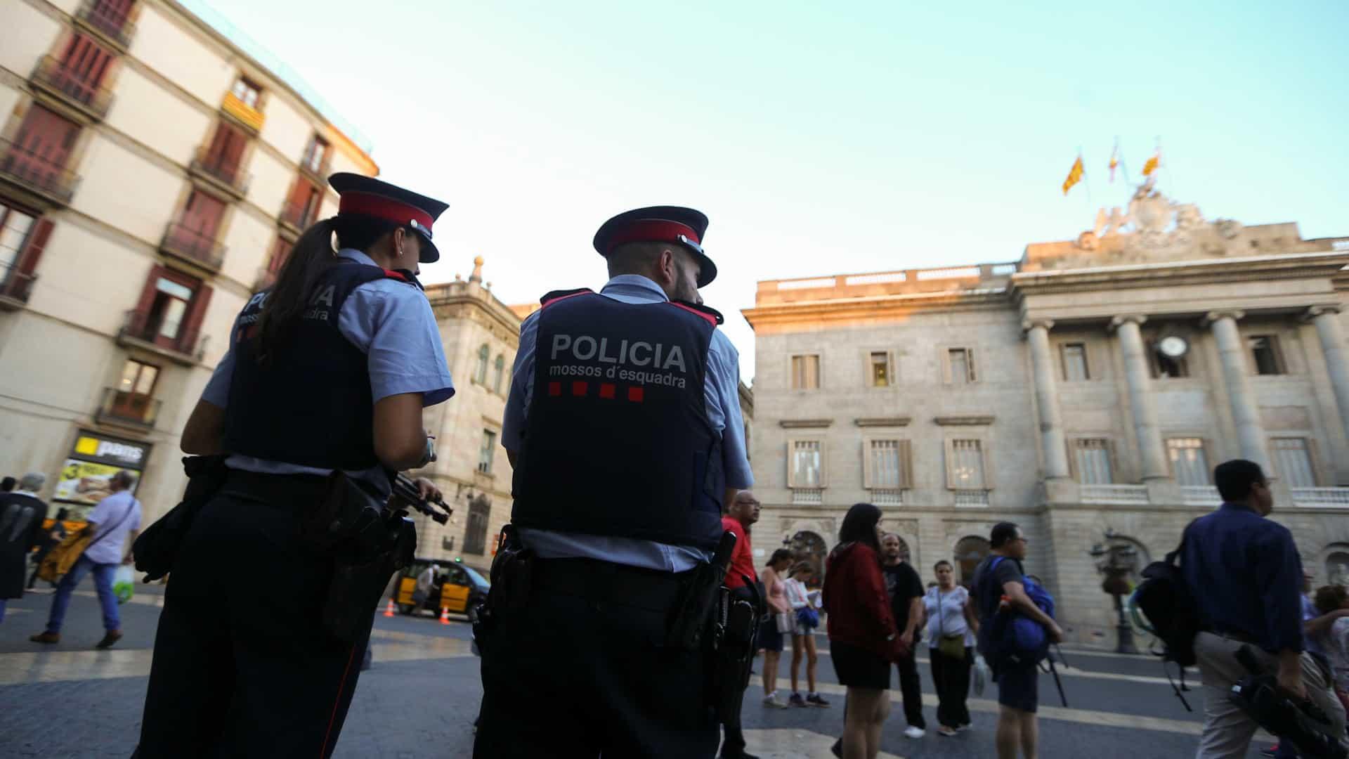 Portuguesa entre detidos numa festa ilegal em Barcelona