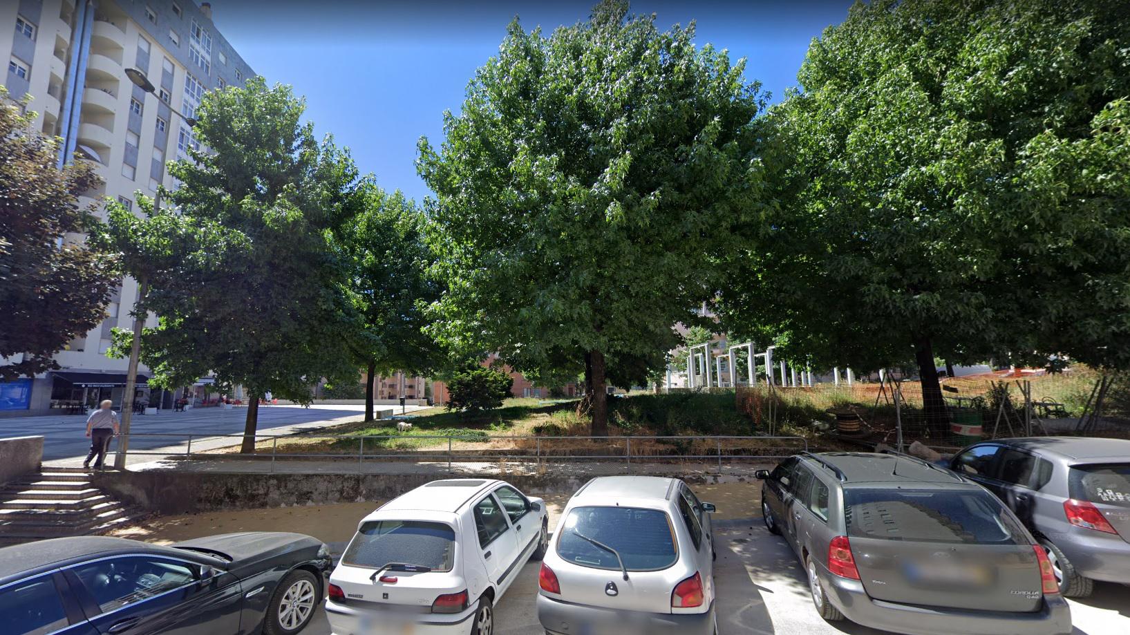 Arrancou requalificação da Praça do Bocage em Braga. Obra inclui anfiteatro, zonas verdes e parque infantil