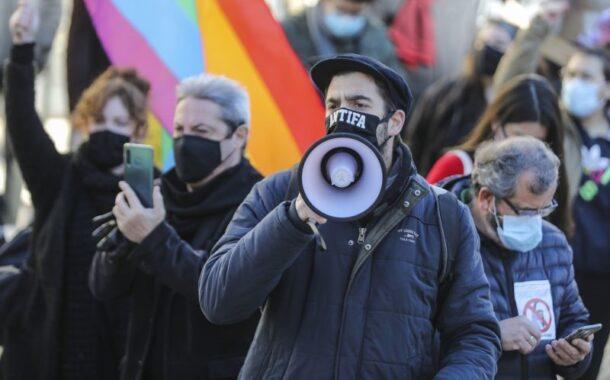 'Antifas' de Braga e Barcelos juntam-se a manifestação contra a presença de Marine Le Pen em Portugal