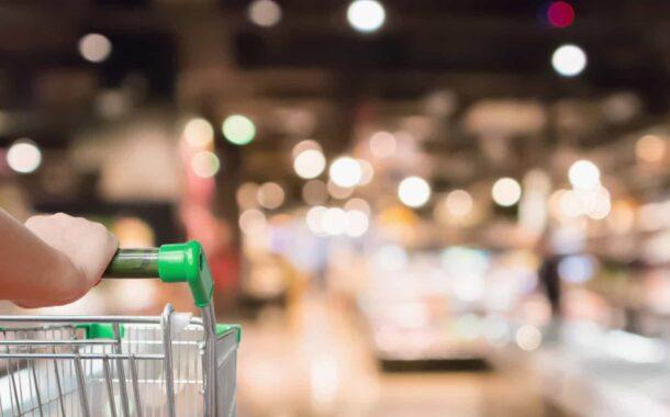 """'Positivos' covid-19 em compras no supermercado? Informação nas redes sociais é """"falsa"""""""