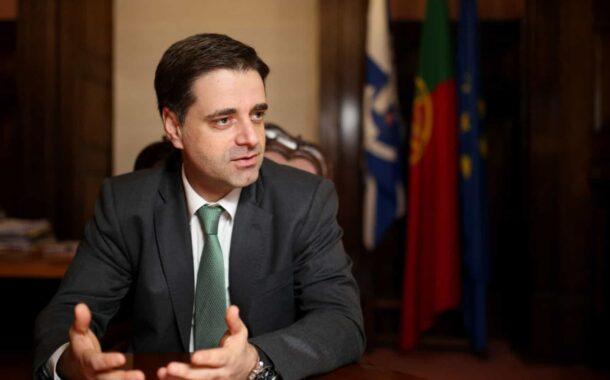 Presidente da Câmara de Braga diz que dinheiro do Estado vai sempre para os mesmos. Rio quer 200 milhões para metro