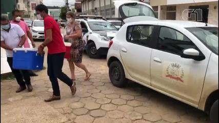 Cidade brasileira perde todas as vacinas após criança desligar energia