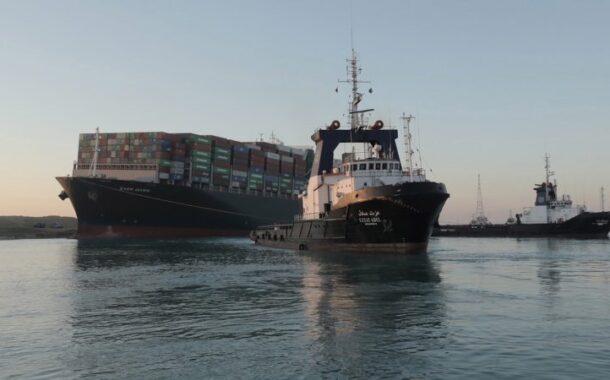 Navio encalhado no Suez já começou a flutuar. Descongestionar o canal vai durar três dias