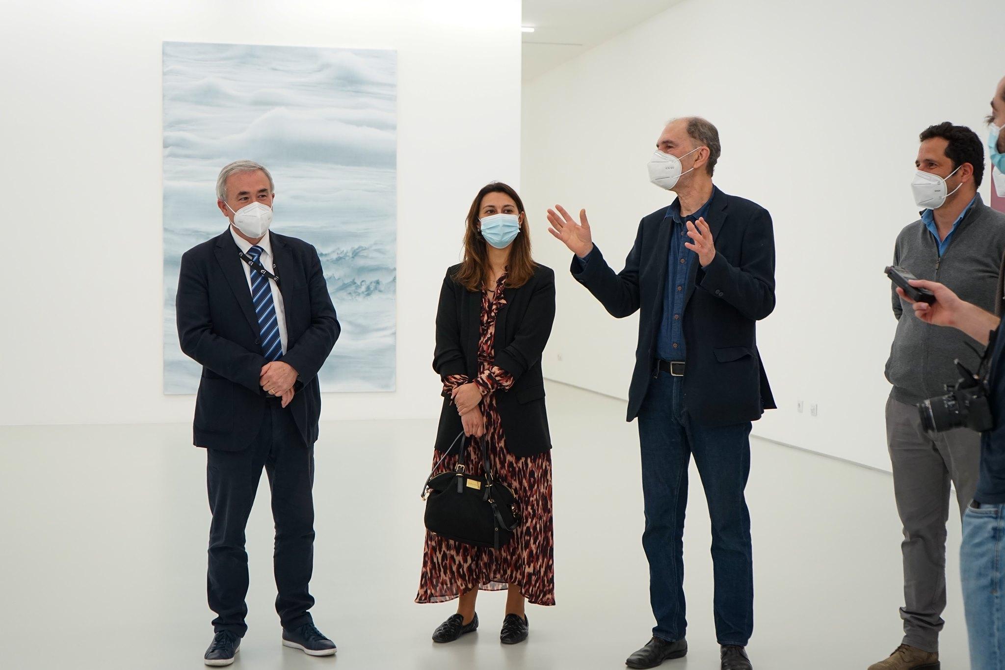 Forum Arte Braga retoma actividade com exposição de Luís Coquenão. Espectáculos regressam a partir de 19