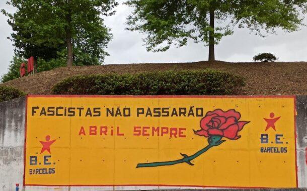 Bloco assinala 25 de Abril com mural em Barcelos
