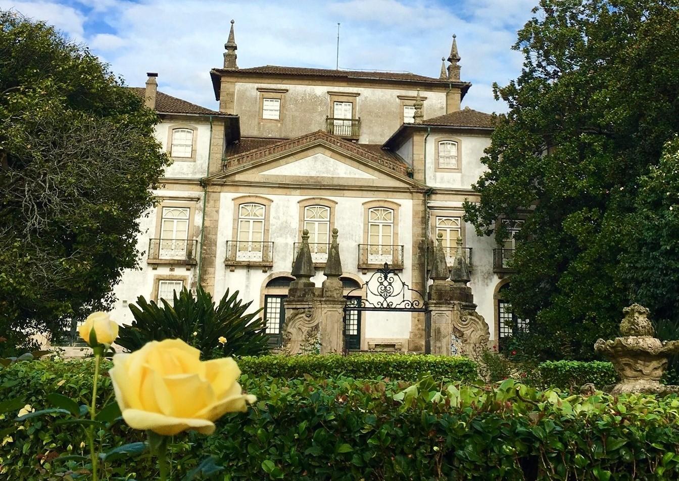 Castelo de Guimarães, museus dos Biscainhos, D. Diogo de Sousa e Alberto Sampaio na lista de património a requalificar