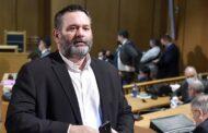 Detido eurodeputado grego ex-membro de partido neonazi por dirigir organização criminosa