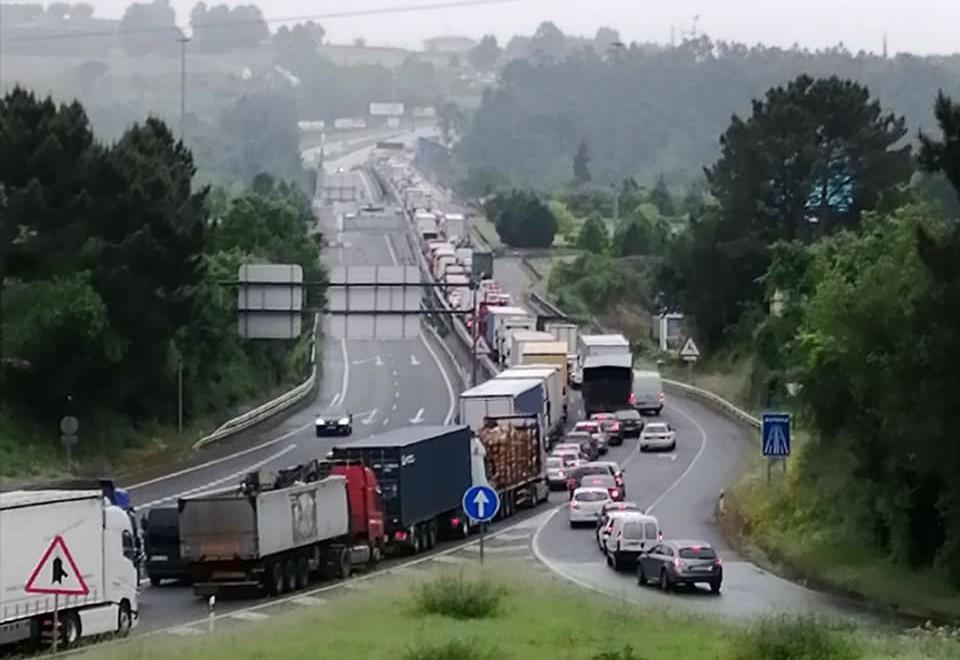 """Eurodeputados alertam para """"caos"""" nas fronteiras da Eurorregião Galiza-Norte de Portugal"""