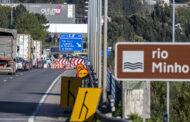 Mais de 2.000 pessoas impedidas de passar fronteira de Valença