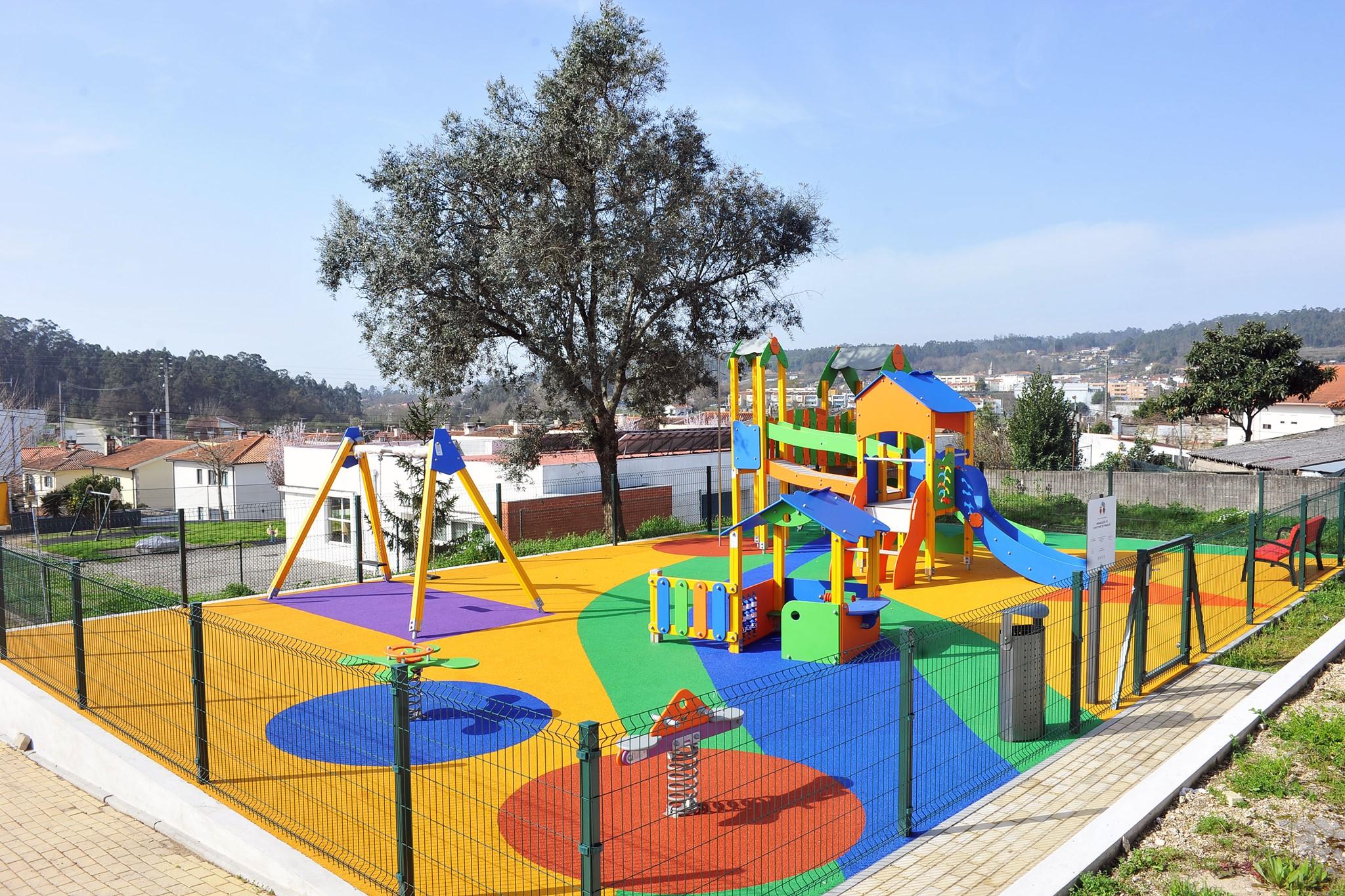 Câmara de Braga esclarece: frequência de parques infantis públicos está autorizada
