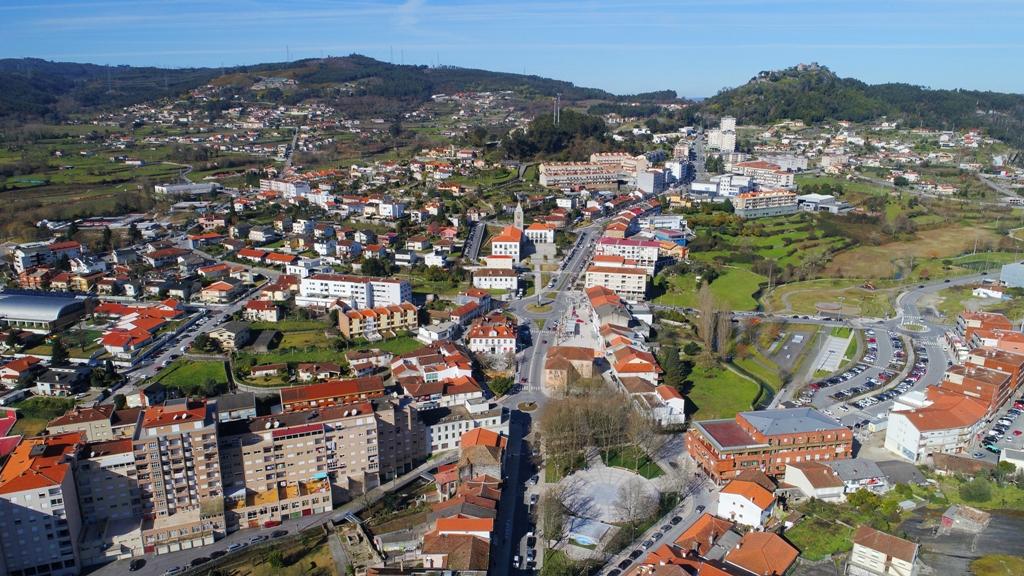 Autárquicas. Socialista Frederico Castro apresenta a Via Circular Urbana da Póvoa de Lanhoso a Pedro Nuno Santos