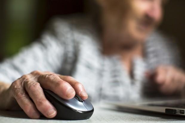 Braga implementa projecto-piloto de combate ao isolamento de idosos