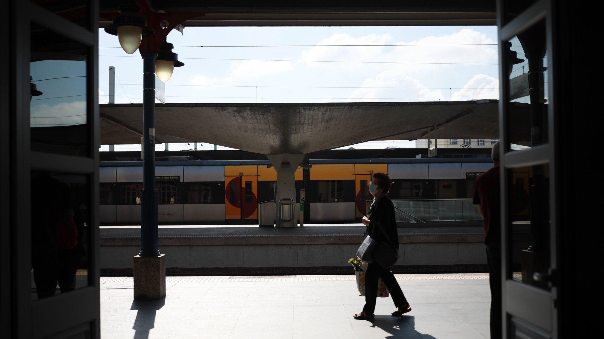 """António Cunha assume liderança da Euro-região Galiza - Norte de Portugal """"ansioso"""" pela ligação TGV Lisboa-Porto-Vigo"""