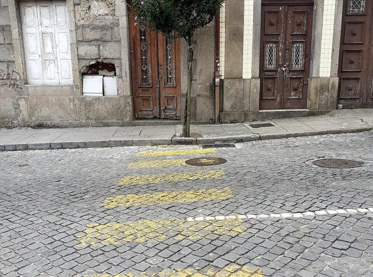 """BE exige repintura """"urgente"""" de passadeiras em Braga"""