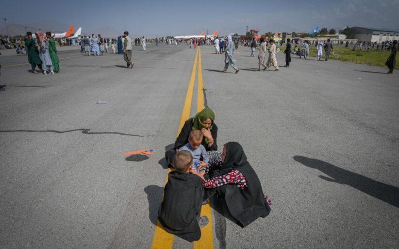Dimensão do caos em Cabul registado em imagens de satélite