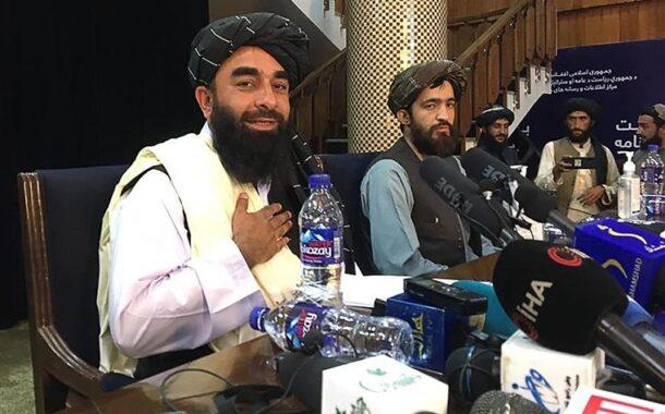 """""""Ninguém vai sofrer vingança"""" e as mulheres """"serão respeitadas"""" na """"moldura do Islão"""", dizem os taliban"""