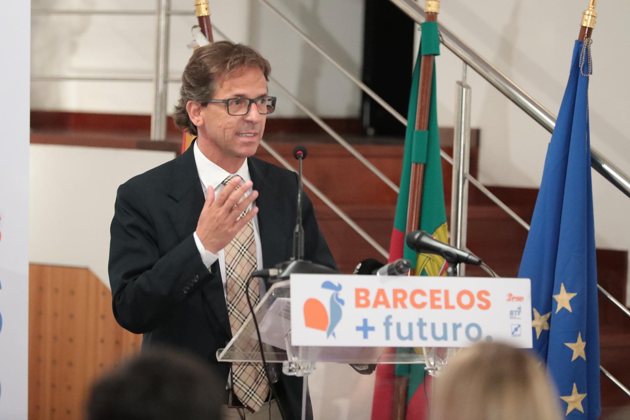Mário Constantino (PSD/CDS/BTF) com maioria absoluta 'rouba' Câmara de Barcelos ao PS