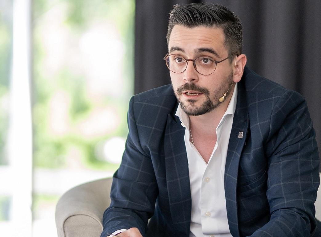 Francisco Mota propõe um milhão de euros do investimento em publicidade para segurança e socorro em Braga.