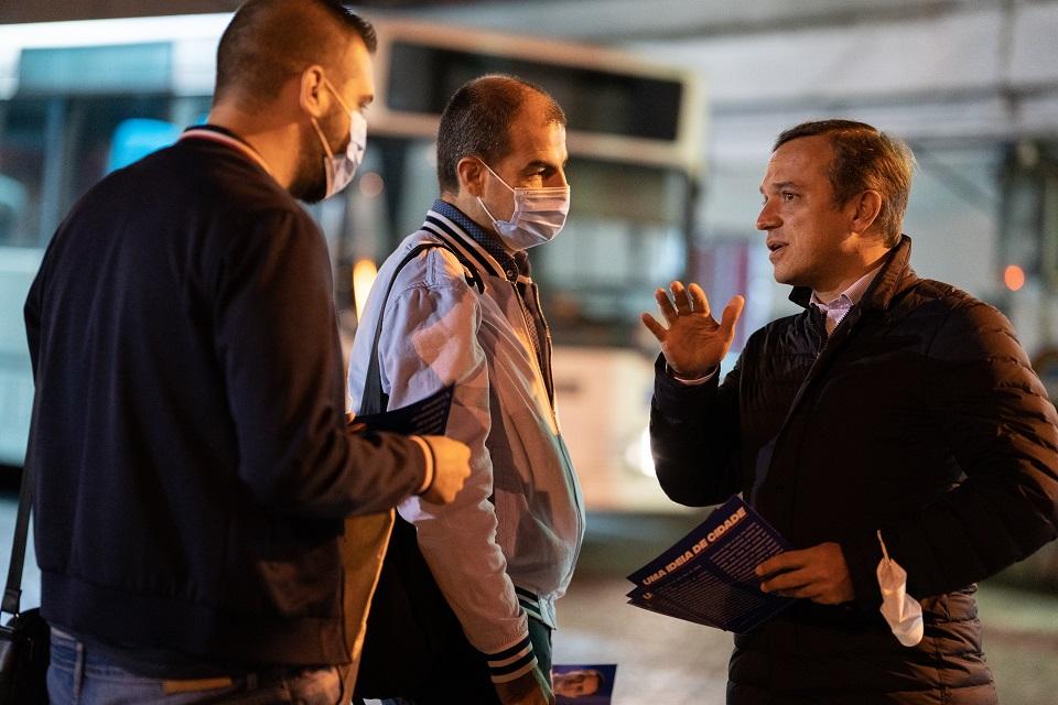 Autárquicas. Hugo Pires garante transportes gratuitos em encontro madrugador com trabalhadores dos Transportes Urbanos de Braga