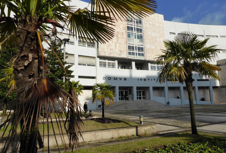 Tribunal de Braga concluiu julgamento de quatro pessoas por burla a uma casa de penhores