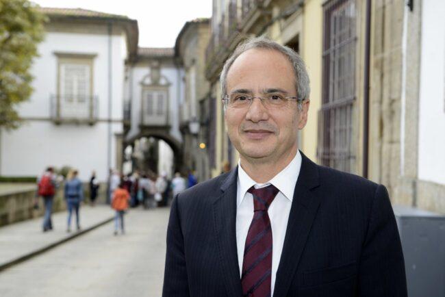 Socialista Domingos Bragança reeleito presidente da Câmara de Guimarães