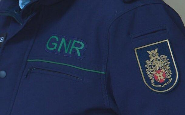 Militar da GNR que ameaçou três magistrados de Vila Verde nas redes sociais já está em casa com pulseira electrónica