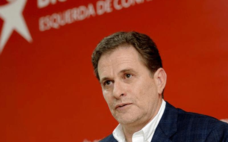 """Pedro Soares (BE) revela certidão de arquivamento do MP sobre caso """"morada do deputado"""""""